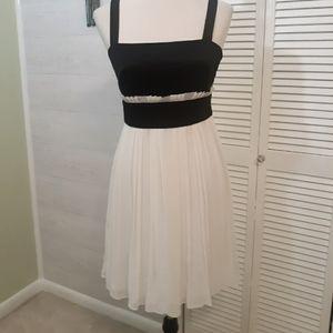 Kay unger silk pleated chiffon dress sz 4